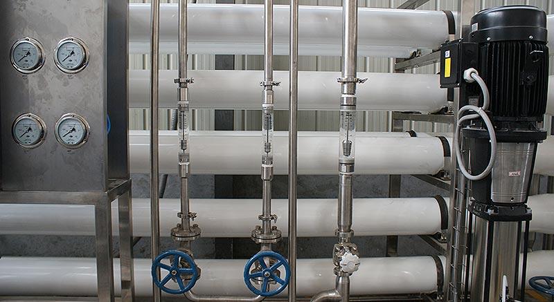 small-RO-beverage-blending-water-treatment-machine-1